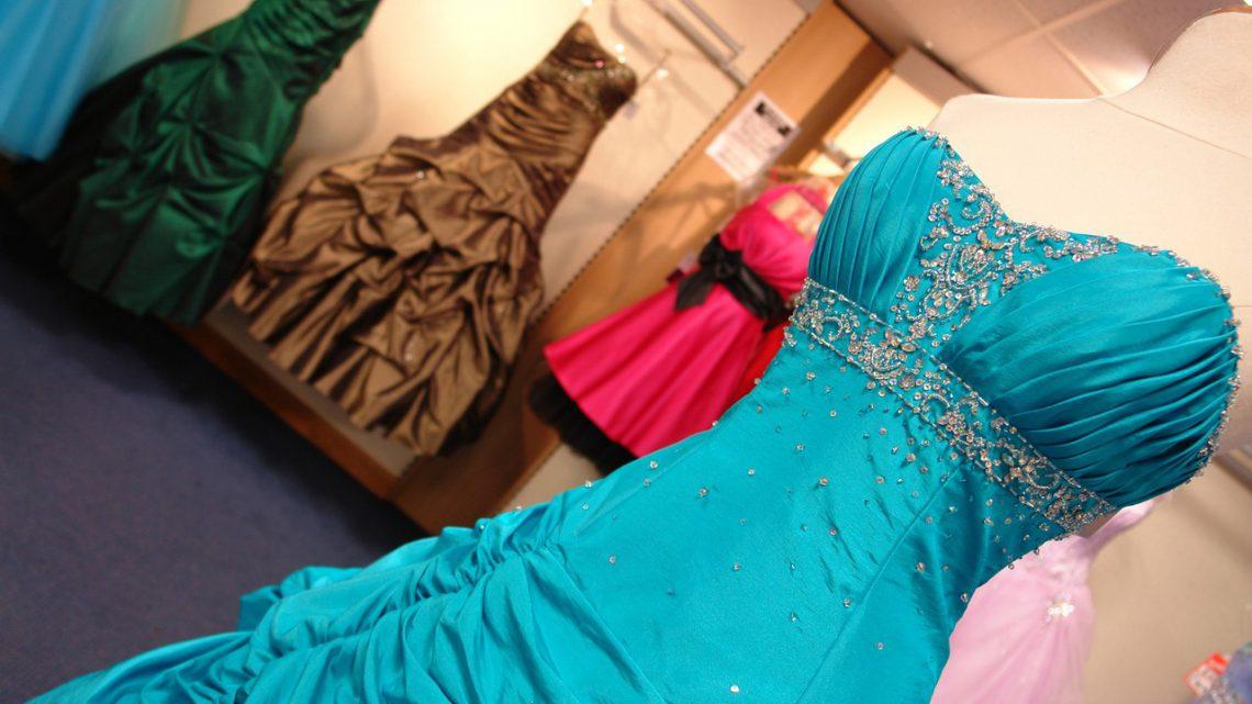 Idealną figurę podkreśli sukienka gorsetowa